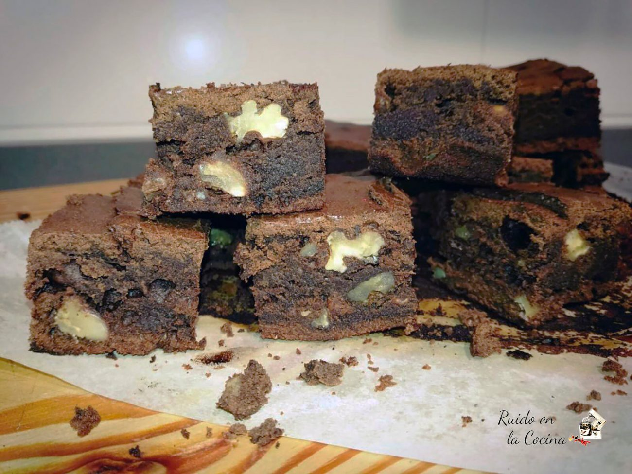 Brownie clásico de chocolate con nueces