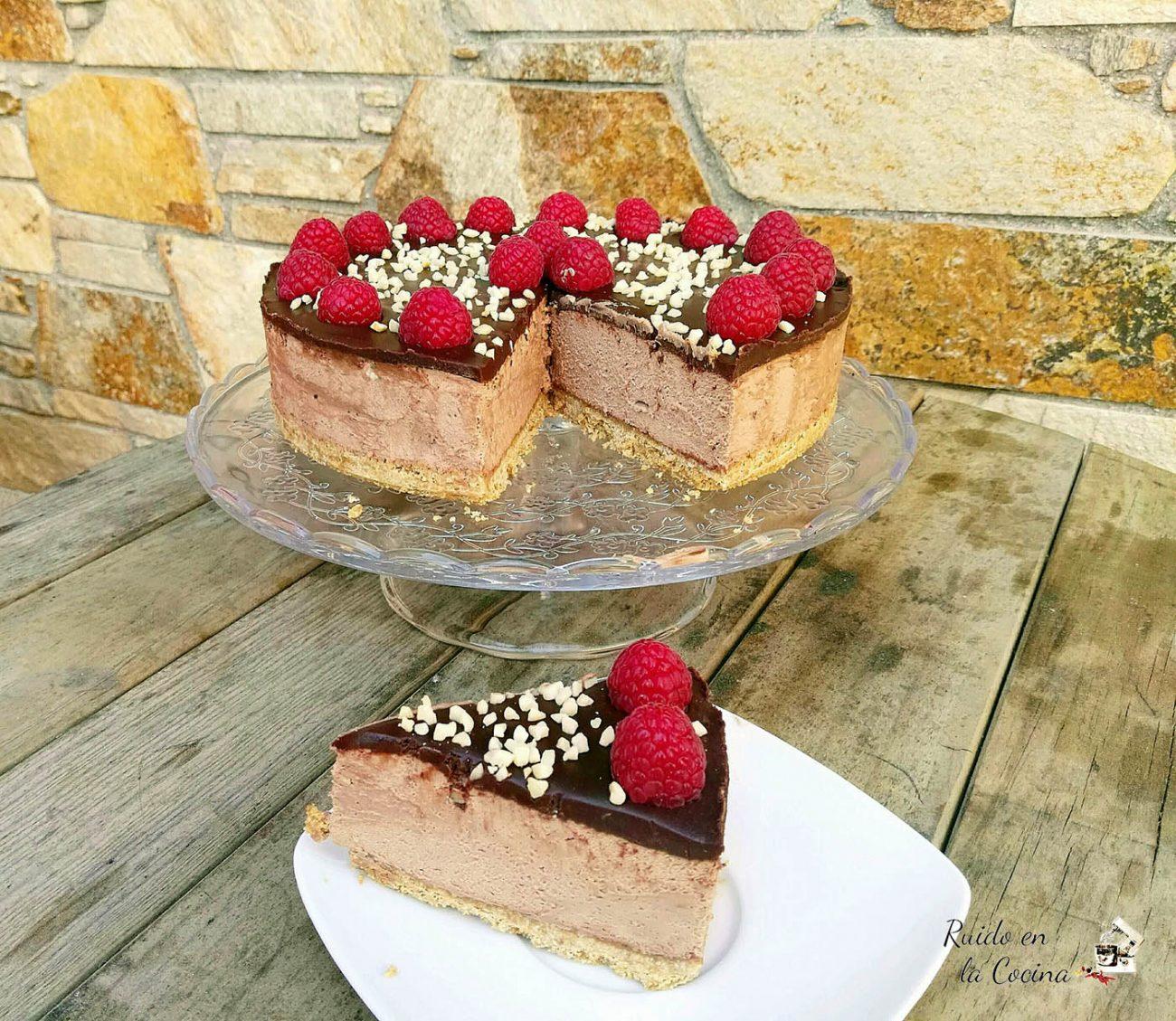 Cheesecake de crema de cacao con avellanas