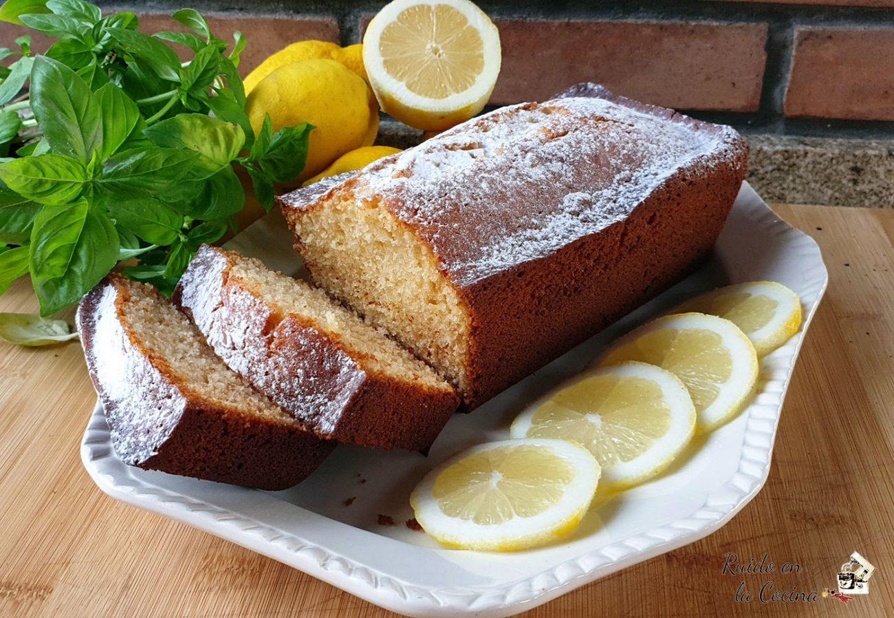 Bizcocho de lemon curd y azúcar invertido