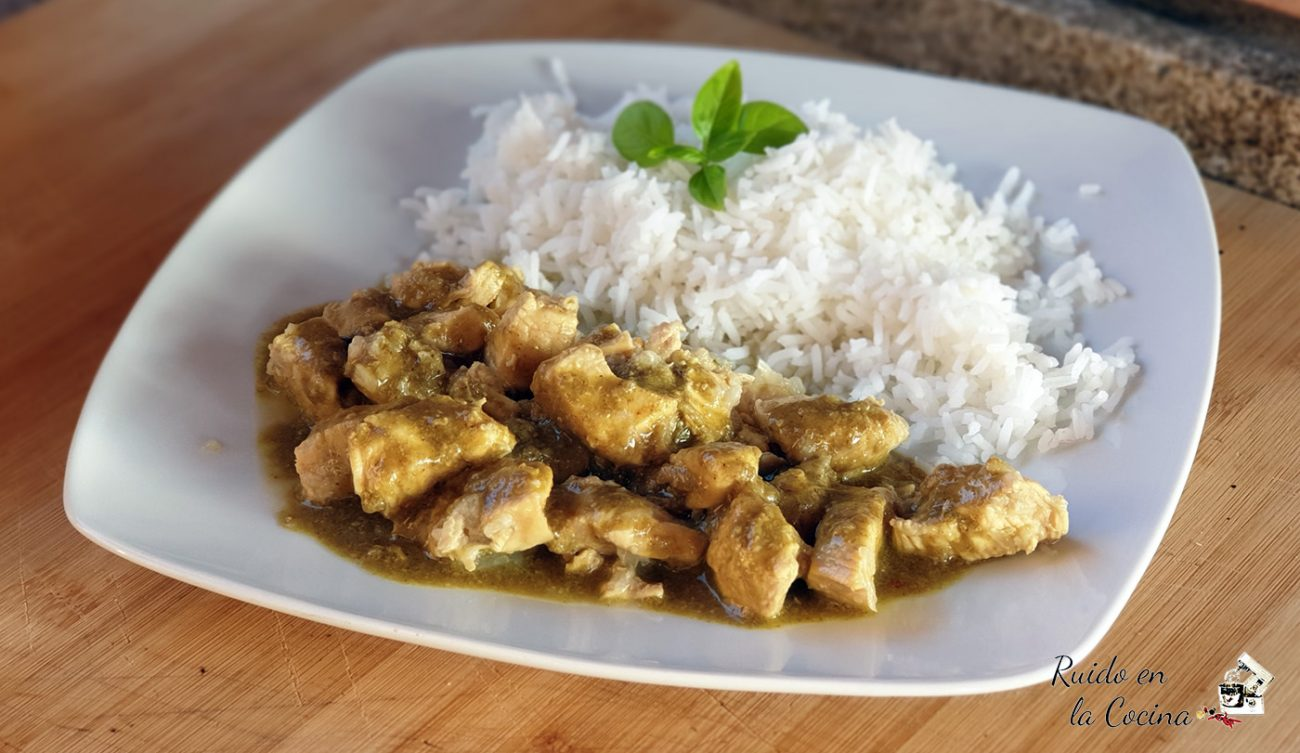 Pollo al ron con curry y coco