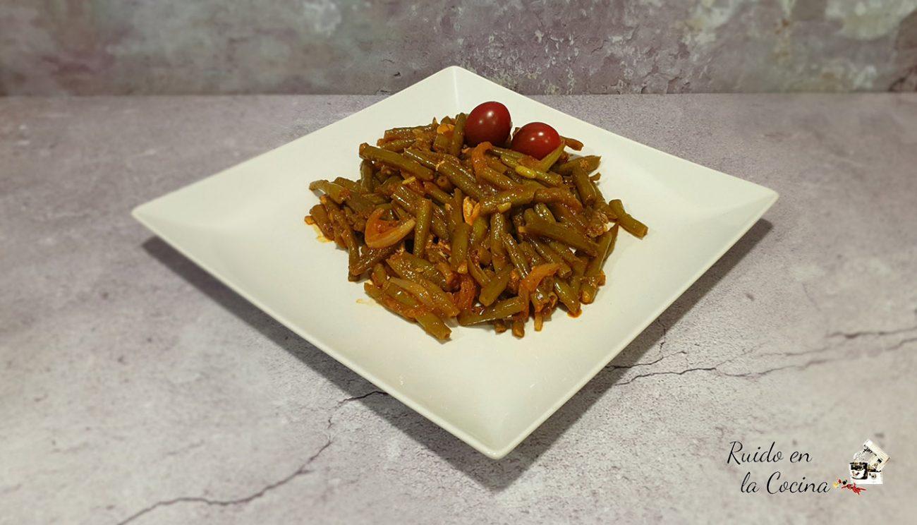 Judías verdes estofadas con tomate, en vaporera