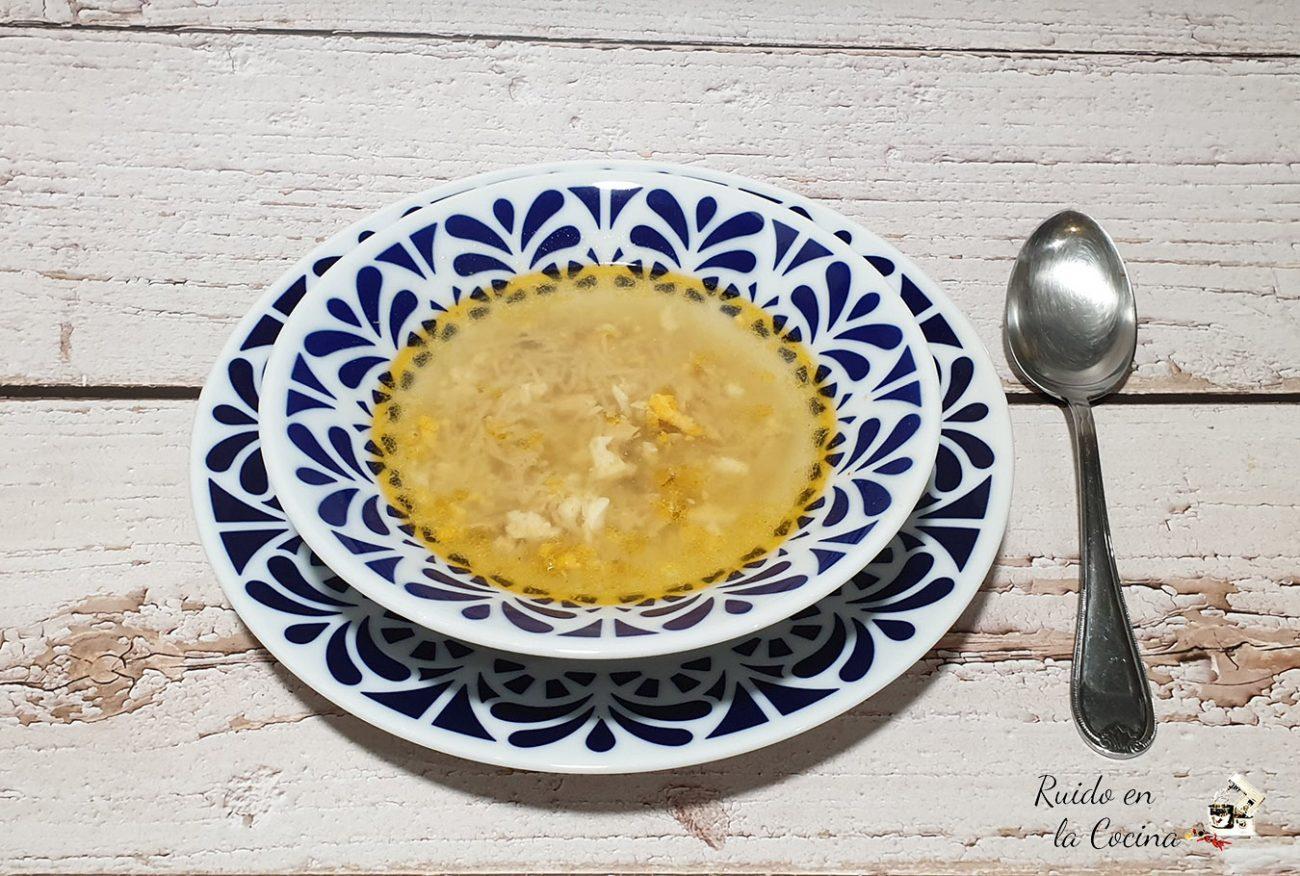 Sopa de pollo con estrellitas