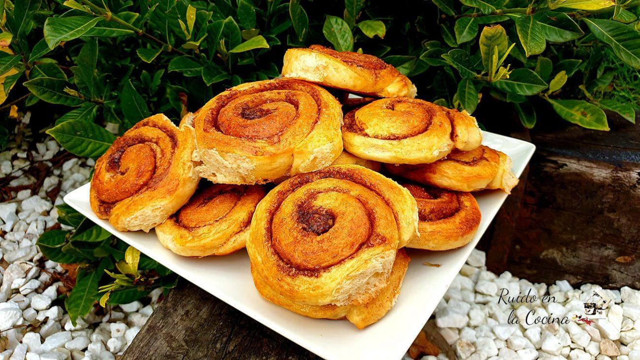 Rollo de canela, caracolas o cinnamon rolls