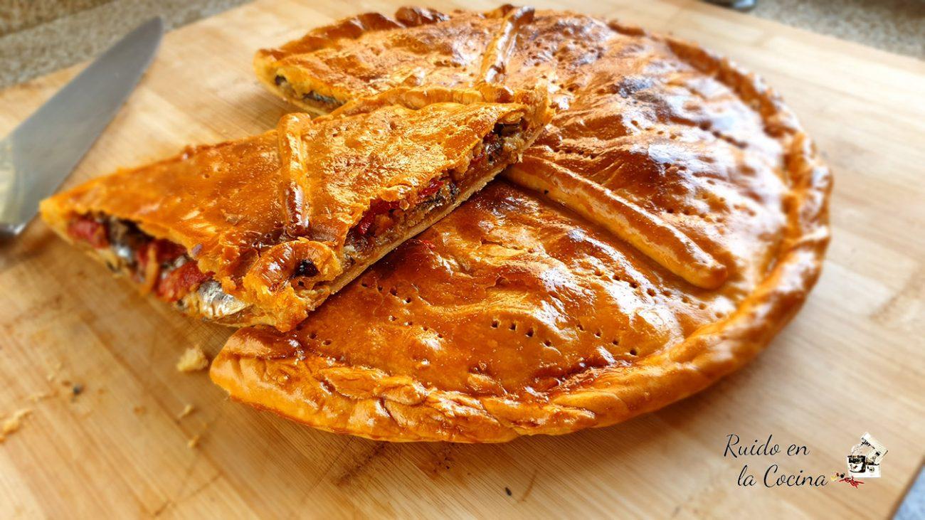 Empanada de xoubas (sardinas)