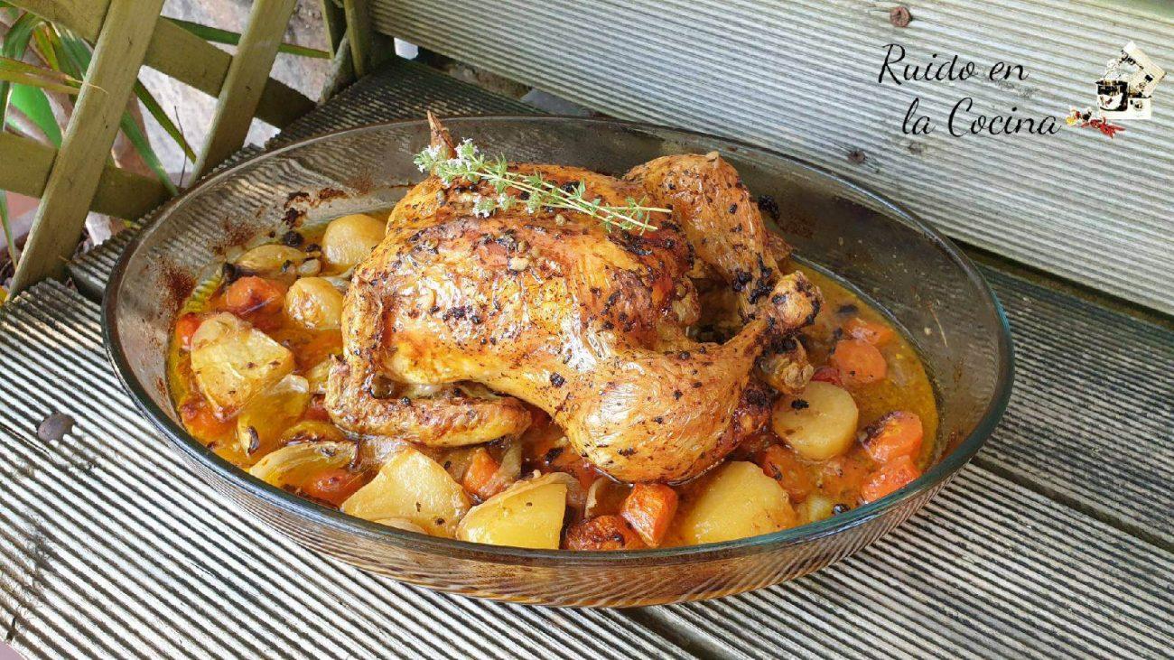 Pollo asado al horno con guarnición