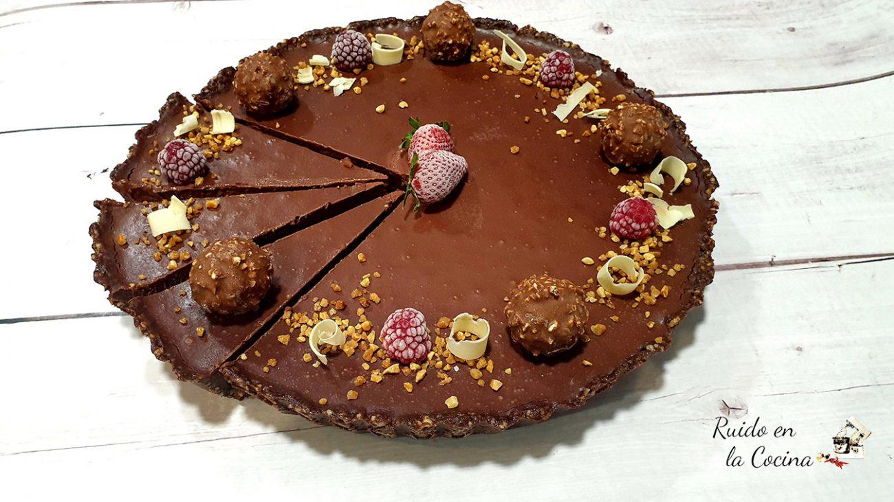 Tarta de chocolate y fresas, deliciosa y saludable
