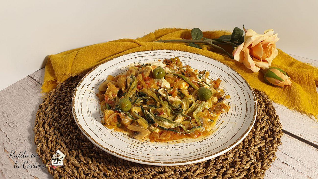 Espaguetis de calabacín con burrata